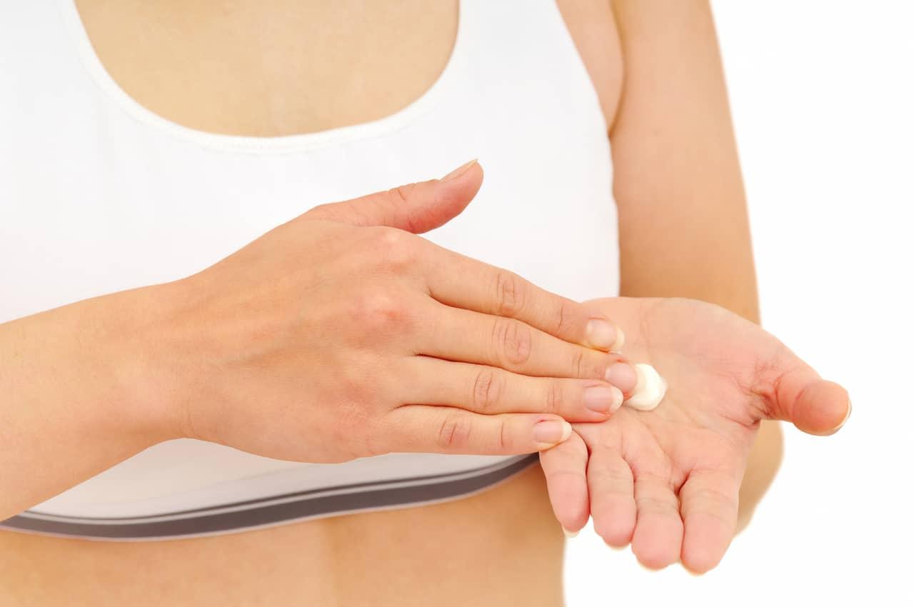 Narbenpflege nach Brustvergrößerung